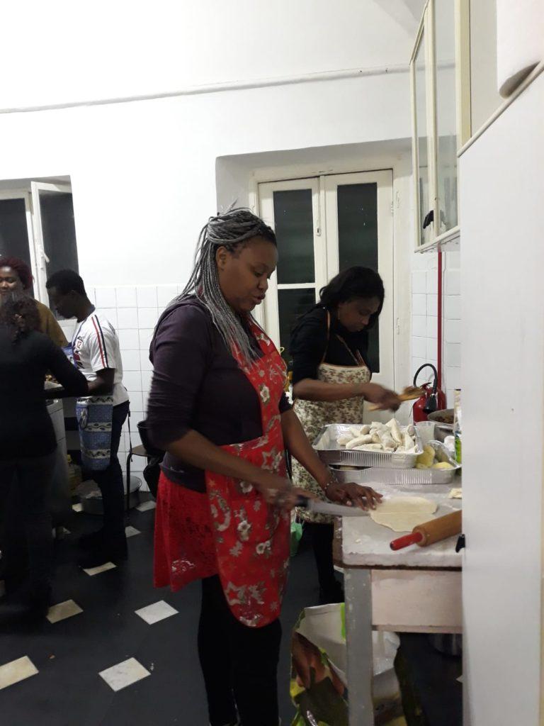 Studente in cucina